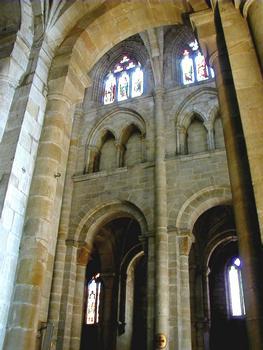 Figeac - Abbatiale Saint-Sauveur - Elévation de la nef