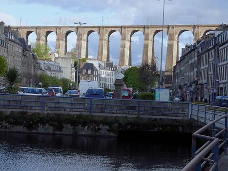 Viaduc de Morlaix vu du port