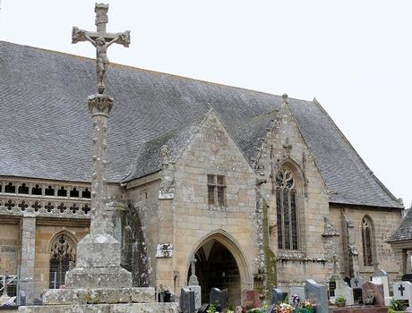Saint-Jean-du-Doigt - Eglise Saint-Jean-Baptiste - Porche