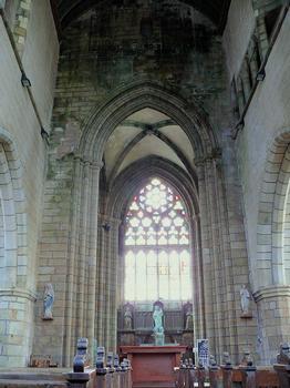 Saint-Pol-de-Léon - Chapelle Notre-Dame-du-Kreisker - Nef vers le choeur