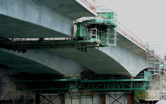 Francilienne - N104 Doublement du pont sur la Seine à Corbeil-Essonnes Equipage mobile pour le clavage de la travée centrale - Détail