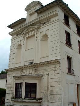 Château de Berny, Fresnes Façade d'une aile.