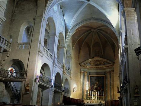 Uzès - Cathédrale Saint-Théodorit - Nef