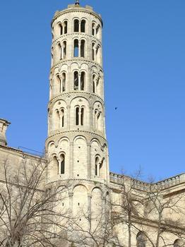Uzès - Cathédrale Saint- - La tour Fenestrelle subsistante de la cathédrale romane