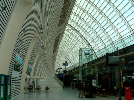 Gare Avignon-TGV Intérieur de la gare.