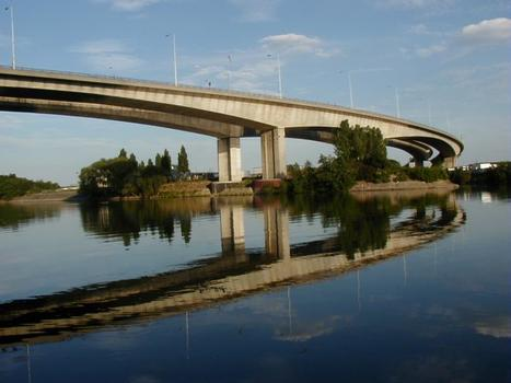 Pont de Gennevilliers over the Seine