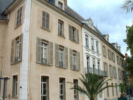 Grenoble - Musée Stendhal ancien hôtel de Lesdiguières, ancien hôtel de ville - Façade sur le parc