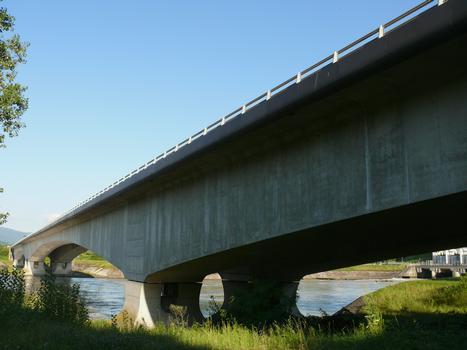 Brücke über den Grand Canal d'Alsace in Ottmarsheim