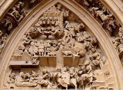 Thann - Eglise Saint-Thiébaut - Portail - Tympan représentant l'histoire de la naissance du Christ