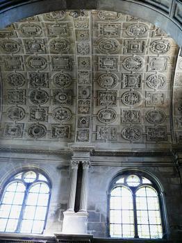 Cathédrale Saint-Mammès de Langres - Chapelle de la Sainte-Croix construite entre 1547-1551 pour Jean d'Amoncourt, vicaire général du cardinal de Givry, évêque de Langres