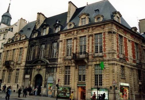 Hôtel de Mayenne, Paris. Ensemble sur rue