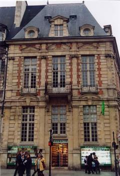 Hôtel de Mayenne, Paris. Un pavillon restauré