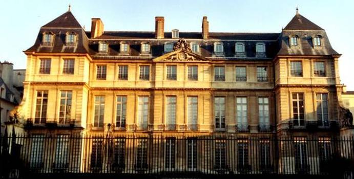 Hôtel Salé, Paris.Façade sur jardin