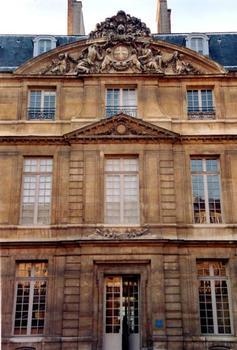 Hôtel Salé, Paris.Façade sur cour - Corps central
