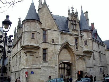 Hôtel de Sens, Paris.Entrée