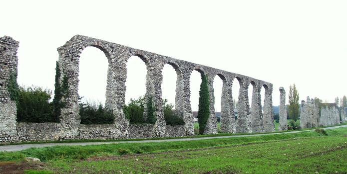 Luynes - Roman aqueduct