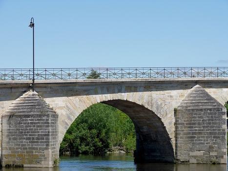 Descartes - Pont Henri IV côté amont