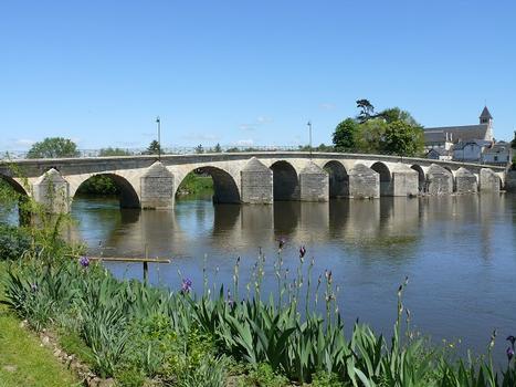 Descartes - Pont Henri IV
