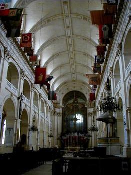 Hôtel des Invalides.Eglise Saint-Louis-des-Invalides - Nef