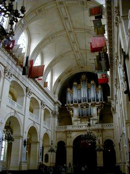 Hôtel des Invalides.Eglise Saint-Louis des Invalides - Nef côté orgue