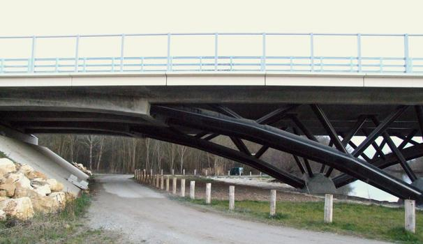 Pont de la Charente sur la déviation de Jarnac (RN141) - Transition entre le treillis métallique et le tablier en béton précontraint
