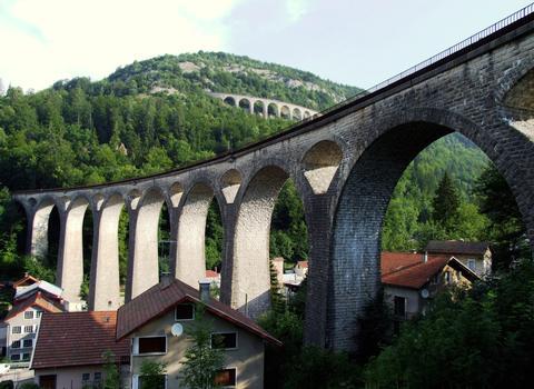 Ligne des Hirondelles - Morez - Les viaducs de la descente vers Morez (viaduc des Crottes, viaduc de Morez)