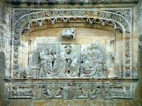 Château de La Ferté-MilonHaut-relief du Couronnement de la Vierge