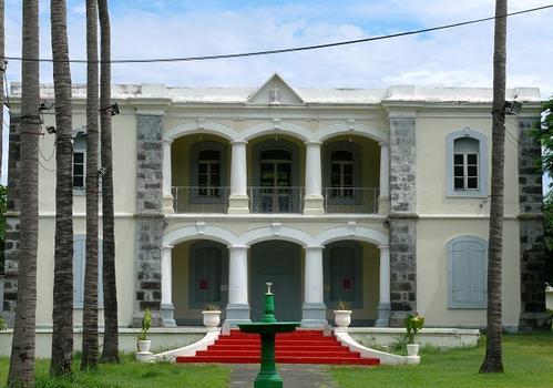 La Réunion - Saint-Paul - Ecole Franco-Chinoise (maison Desbassyns, Grand Cour)