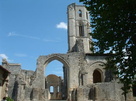 Abbaye de la Sauve-Majeure - Ensemble vu de l'Ouest