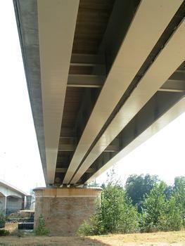 Neue Eisenbahnbrücke in Langon