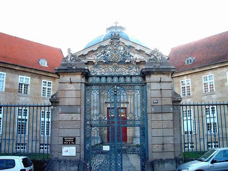 Langres - Hôpital de la Charité - Grille de l'entrée