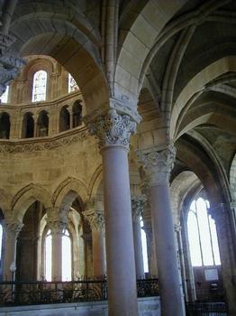 Cathédrale Saint-Mammès de Langres.Choeur et déambulatoire