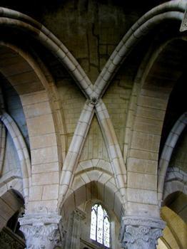 Cathédrale Saint-Mammès de Langres.Voûte du déambulatoire