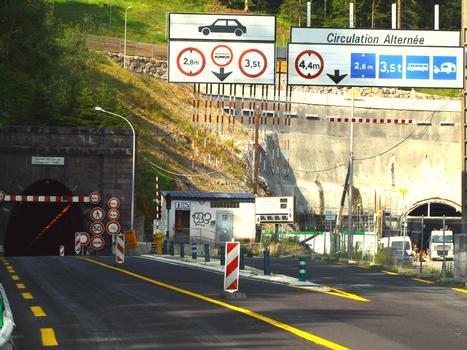 Ancien et nouveau tunnels routiers du Lioran