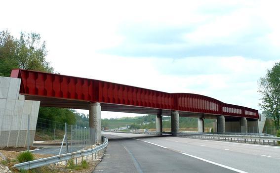 LGV Est Européenne - Lot 13 - Viaduc de l'Orxois - Franchissement de l'autoroute A4 près de Château-Thierry - Tablier à poutres latérales vu côté Est