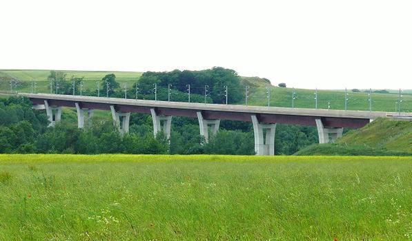 Viadukt über den Ourcq-Kanal