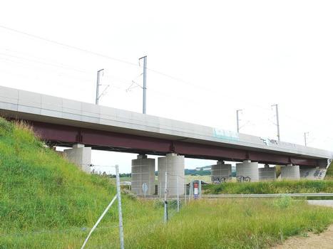 Eisenbahnbrücke über die A31