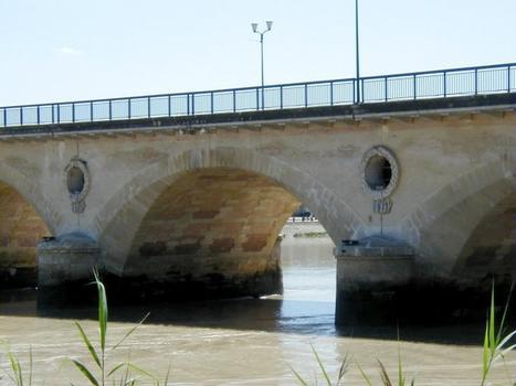 Pont sur la Dordogne à Libourne