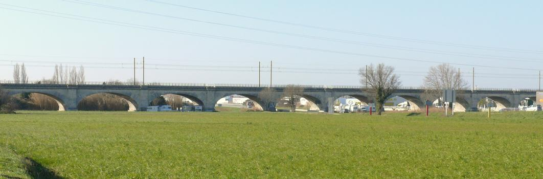 Eisenbahnlinie Avignon-Marseille – Pont-de-Crau-Viadukt