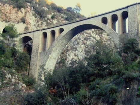 Dans les gorges du Paillon - Viaduc de l'Erbossiera