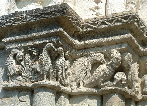 Loches - Eglise Saint-Ours - Chapiteaux de l'avant-porche