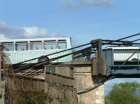 Pont de Langeais - Système d'ancrage sur une culée
