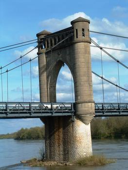 Pont de Langeais - Un pylône