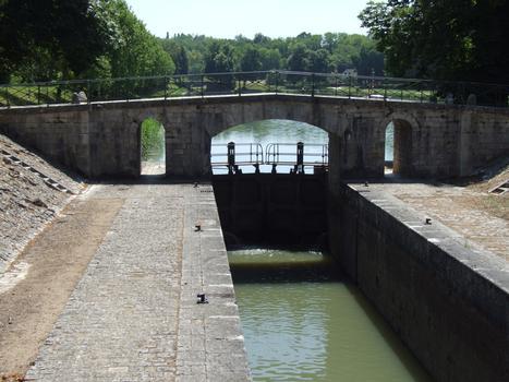 Canal latéral à la Loire - Châtillon-sur-Loire - Ecluse de Mantelot - Porte amont
