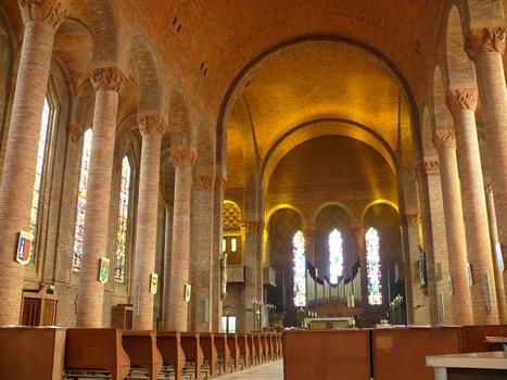 Gien - Eglise Sainte-Jeanne-d'Arc