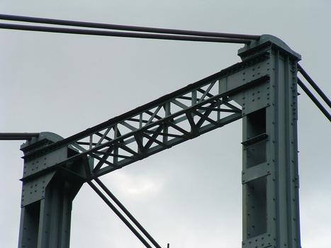 Hängebrücke Albas.