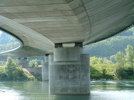 Boulevard périphérique nord de Lyon - Viaduc sur le Rhône - Une pile dans le Rhône