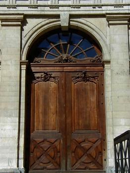 Loge du Change (actuel temple du Change) à Lyon.Porte
