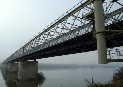 Pont de Varennes-sur-Loire