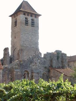 Abbaye de Marcilhac-sur-Célé. Tour d'entrée et murs romans